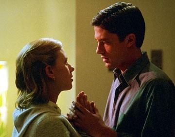 Scarlett Johansson e Topher Grace in una scena di In Good Company