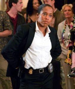 Regina King in una scena di Miss Congeniality 2: Armed and Fabulous