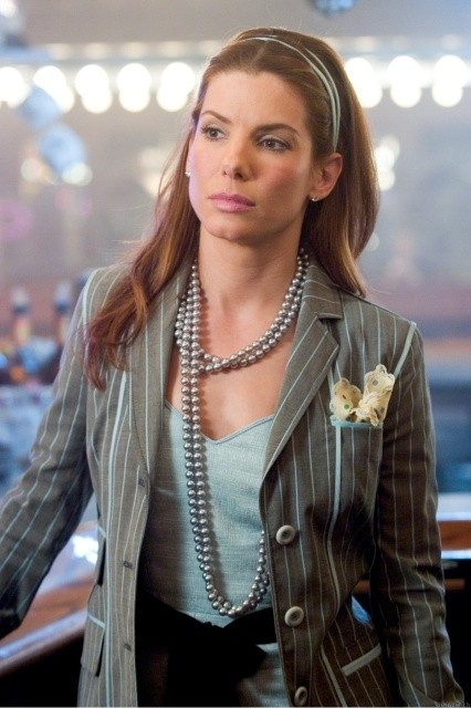 Sandra Bullock in una scena di Miss Congeniality 2: Armed and Fabulous