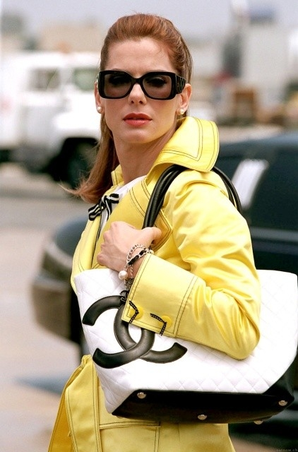Sandra Bullock in una sequenza di Miss Congeniality 2: Armed and Fabulous
