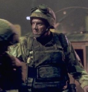 Tom Sizemore in Black Hawk Down