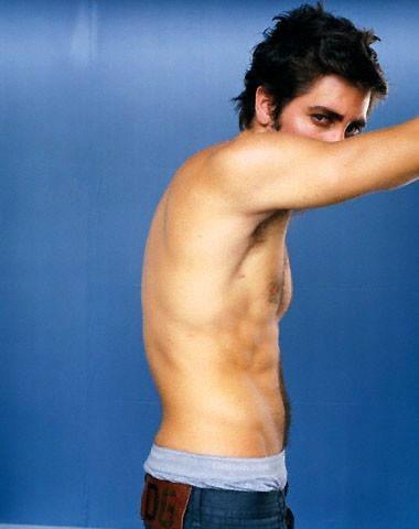 Jake Gyllenhaal a torso nudo
