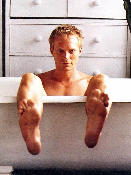 Paul Bettany in vasca da bagno