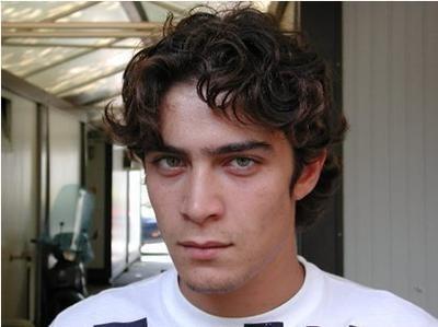 Riccardo Scamarcio, l'attore è nato il 13 novembre 1979