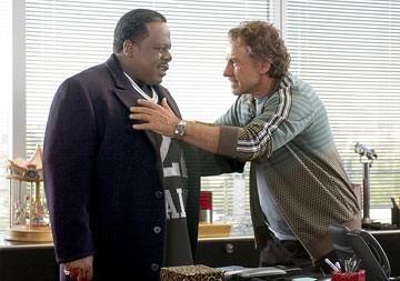Harvey Keitel e Cedric in una scena di Be Cool