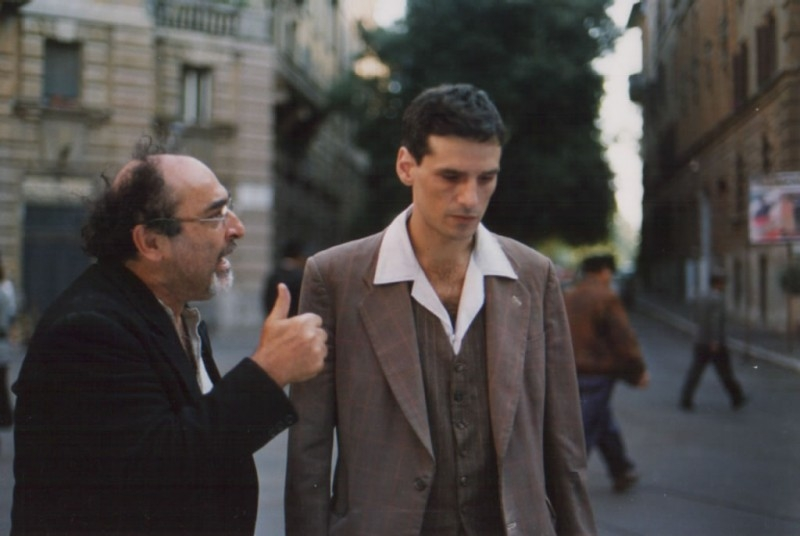 Stefano Dionisi ed Alessandro Haber in una scena di Raul - Diritto di uccidere