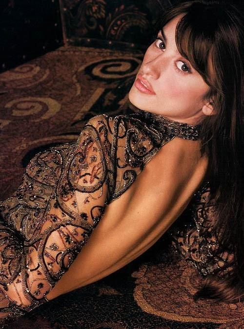 sensualità e trasparenze per Penelope Cruz