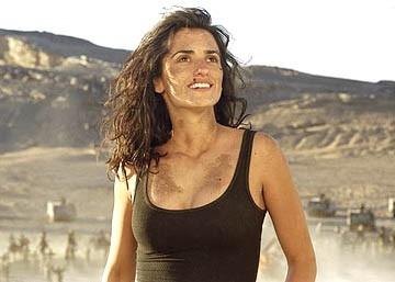 Penelope Cruz in una scena di Sahara