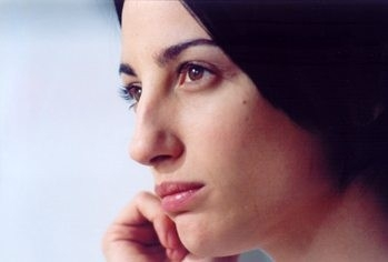 Francesca Inaudi in una scena di L'uomo perfetto