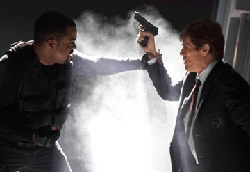 Ice Cube e Willem Dafoe in una scena di xXx 2: The Next Level