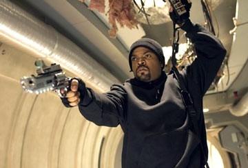 Ice Cube in una scena di xXx 2: The Next Level
