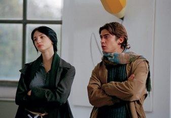 Riccardo Scamarcio e Francesca Inaudi in una scena de L'uomo perfetto