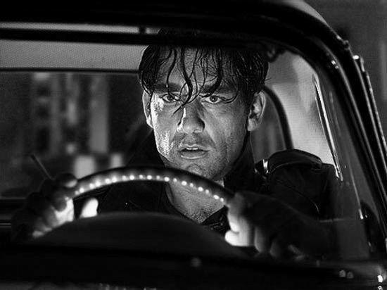 Clive Owen in una scena del film Sin City