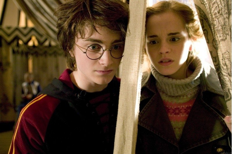 Daniel Radcliffe ed Emma Watson in una scena di Harry Potter e il calice di fuoco