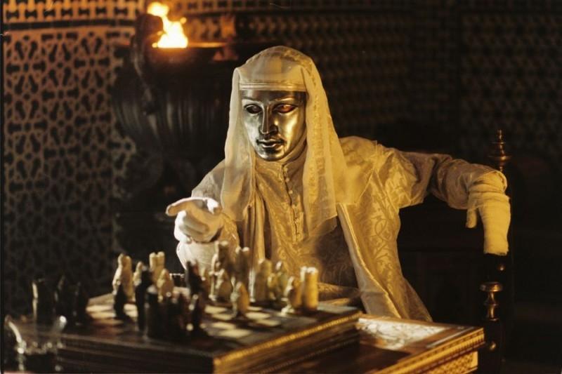 Edward Norton in una scena de Le crociate