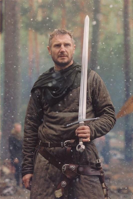 Liam Neeson in una scena de Le crociate, del 2005