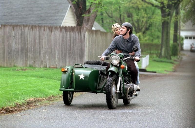 Zach Braff e Natalie Portman in una scena del film La mia vita a Garden State