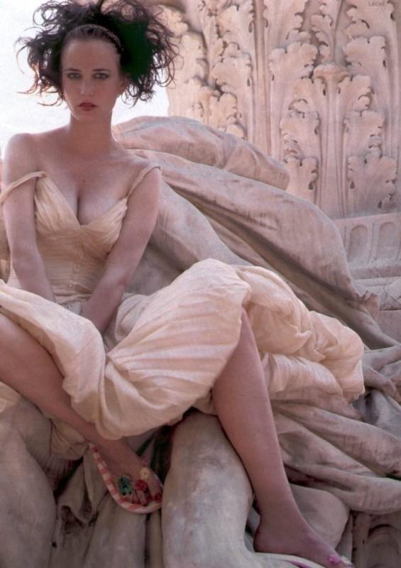 Eva Green - l'attrice francese è nata il 1 luglio 1980, sotto il segno del Cancro