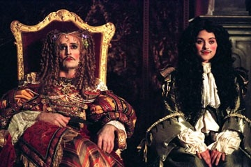 Rupert Everett e Zoe Tapper in una scena di Stage Beauty