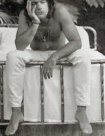 Antonio Banderas a torso nudo