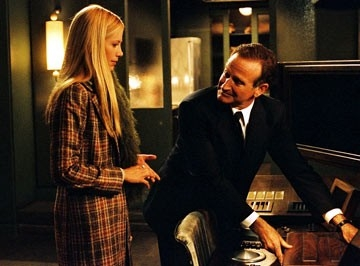 Robin Williams e Mira Sorvino in una scena di The Final Cut