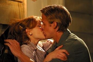 Rachel McAdams con Ryan Gosling in una scena di Le pagine della nostra vita