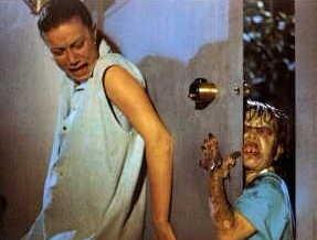 Nancy Brilli e Davide Marotta in una scena di Demoni 2