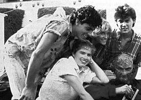Una simpatica foto sul set del primo Nightmare: Robert Englund, Heather Langenkamp, Johnny Depp, Jsu Garcia e Amanda Wyss