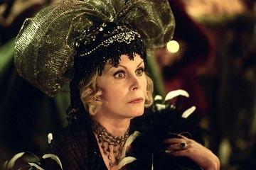 Joanna Lumley in una scena di Ella ENchanted