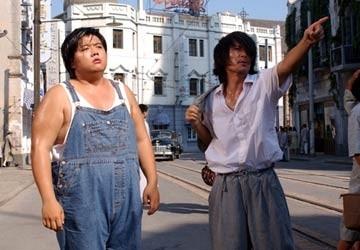 Lam Chi Chung e Stephen Chow in una scena di Kung Fusion
