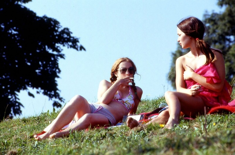 Nathalie Press ed Emily Blunt nel film My Summer of Love