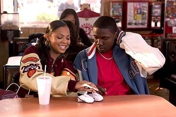Ashanti e Rob Brown in una scena di Coach Carter