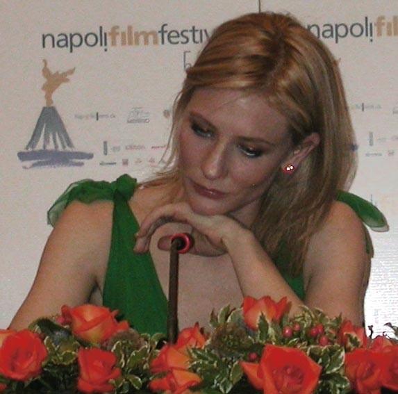 Cate Blanchett durante il suo intervento al Napoli FilmFestival 2005