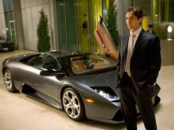 Christian Bale in una scena di Batman Begins