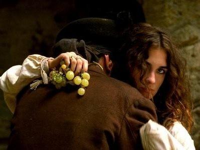 Paz Vega in una sensuale scena di Per amare Carmen