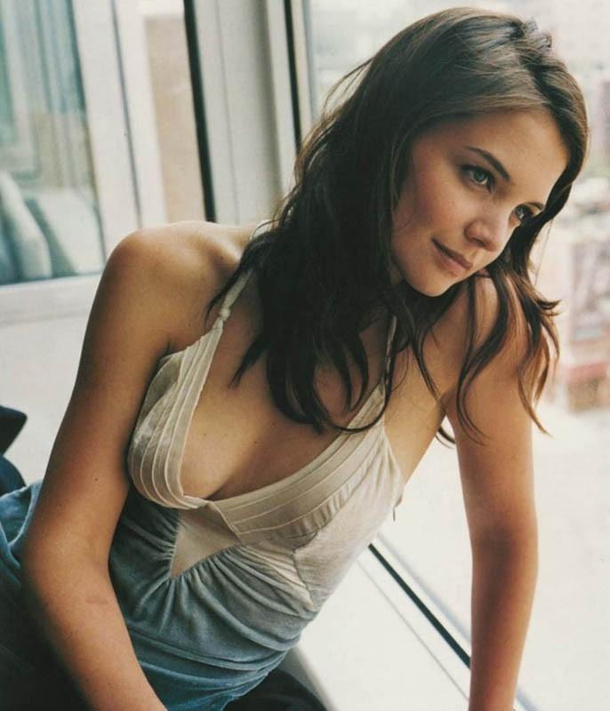 Katie Holmes, dolce e sensuale