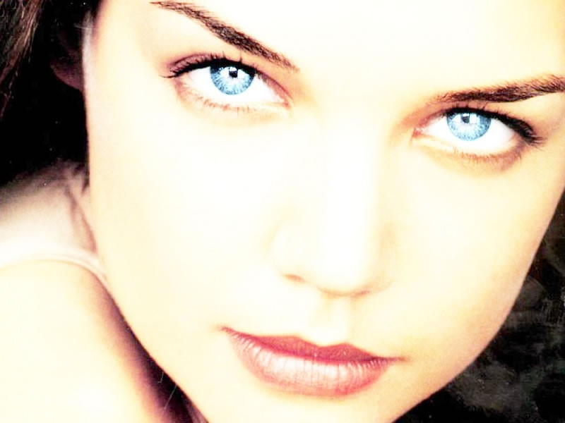 il magnifico sguardo di Katie Holmes