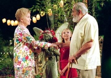 AnnaSophia Robb, Eva Marie Saint  in una scena de Il mio amico a quattro zampe