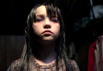 Isabel Conner in una scena di The Amityville Horror