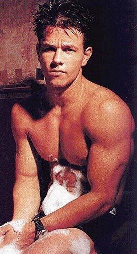 Mark Wahlberg a torso nudo