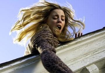 Melissa George in una sequenza di The Amityville Horror