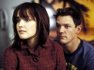 Rose Byrne e Matthew Lillard  in una scena di Appuntamento a Wicker Park