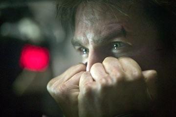 Lo sguardo di Tom Cruise in una scena de La guerra dei mondi