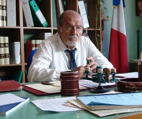 Ivo Garrani in una scena de L'uomo spezzato