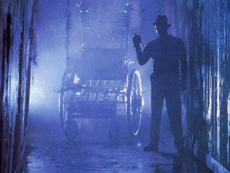 Robert Englund in una scena di Nightmare 3