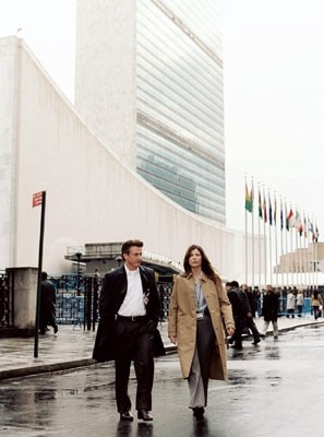 Catherine Keener e Sean Penn in una scena di The Interpreter