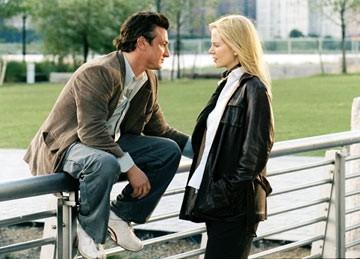 Nicole Kidman e Sean Penn in una scena di The Interpreter (2005)