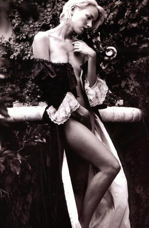 una sensuale Naomi Watts