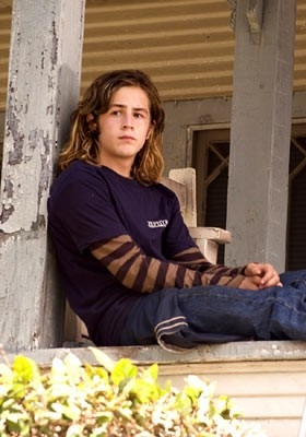 Michael Angarano in una scena di Lords of Dogtown