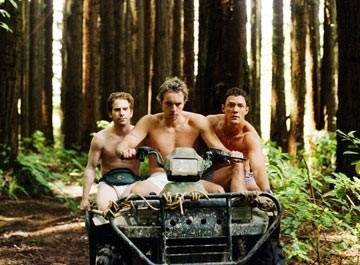 Seth Green, Matthew Lillard e Dax Shepard in una scena di Without a Paddle